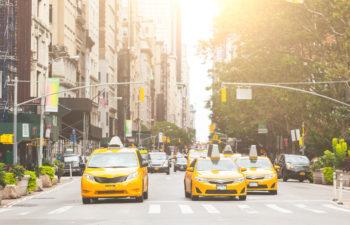 Pourquoi les taxis à New York sont jaunes